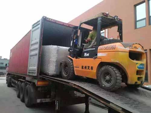 南京装仺+���XZ�X_出口新加坡的南京护栏网开始装箱