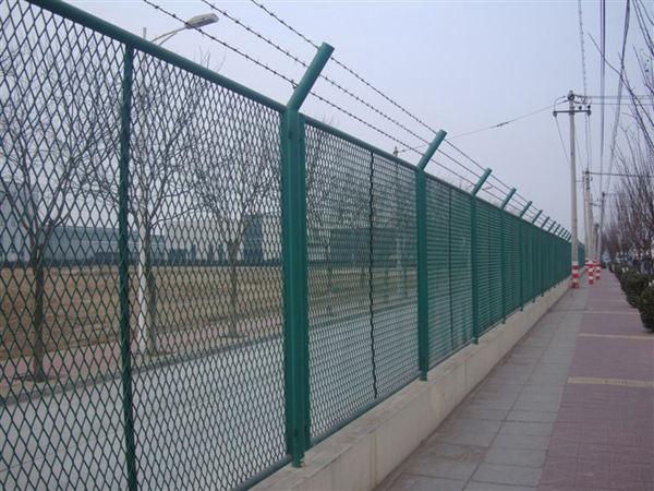钢板网护栏网价格-钢板网围栏网价格-南京护栏网-南京律和护栏网厂